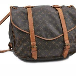 Auth Louis Vuitton samur 43 crossbody bag(Large)